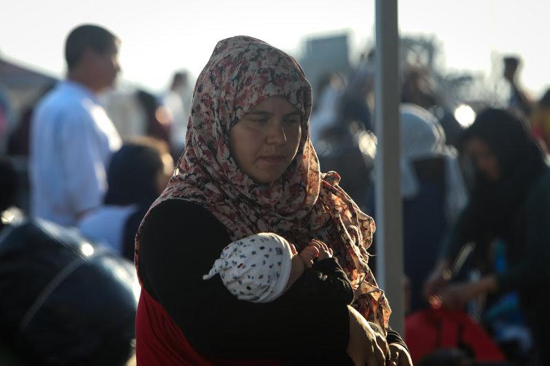 Στη Νέα Καβάλα έφτασαν οι πρώτοι πρόσφυγες από τη Μόρια